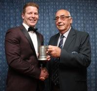 Club chairman Ian McMillan (right) presents the Tackller of the Year Tankard to Ryan Lewendon. https://idrismartin.wordpress.com/