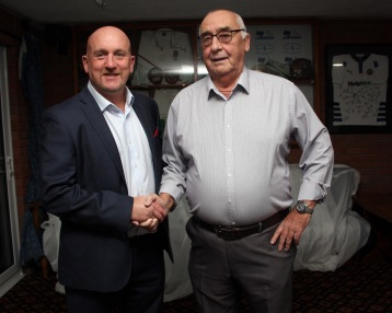 Left Shaun Edwards with Weymouth & Portland Rugby Club Chairman Ian McMillan. https://idrismartin.wordpress.com/
